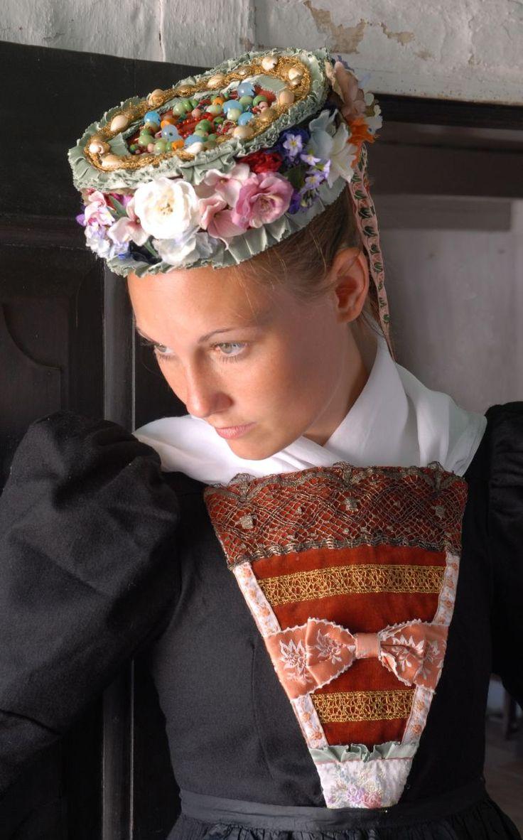 1000  images about biedermeier: trachten und kostüme on pinterest ...