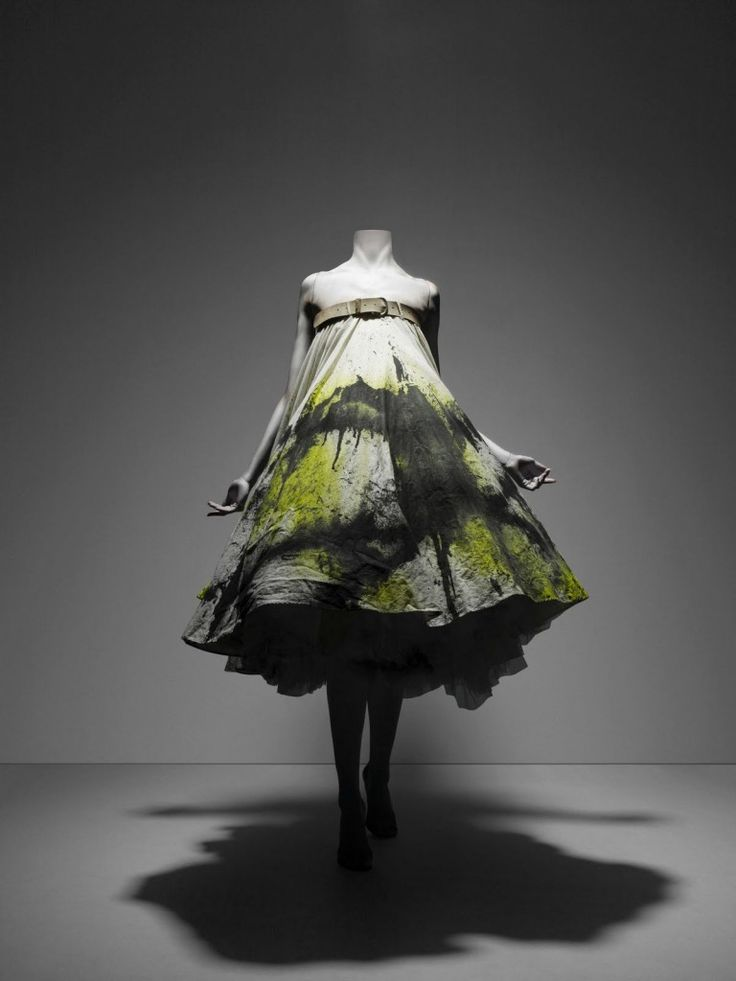 Alexander McQueen, Savage Beauty at the V&A