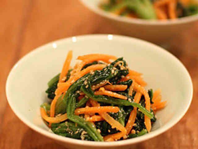 【簡単副菜】ほうれん草と人参のナムルの画像