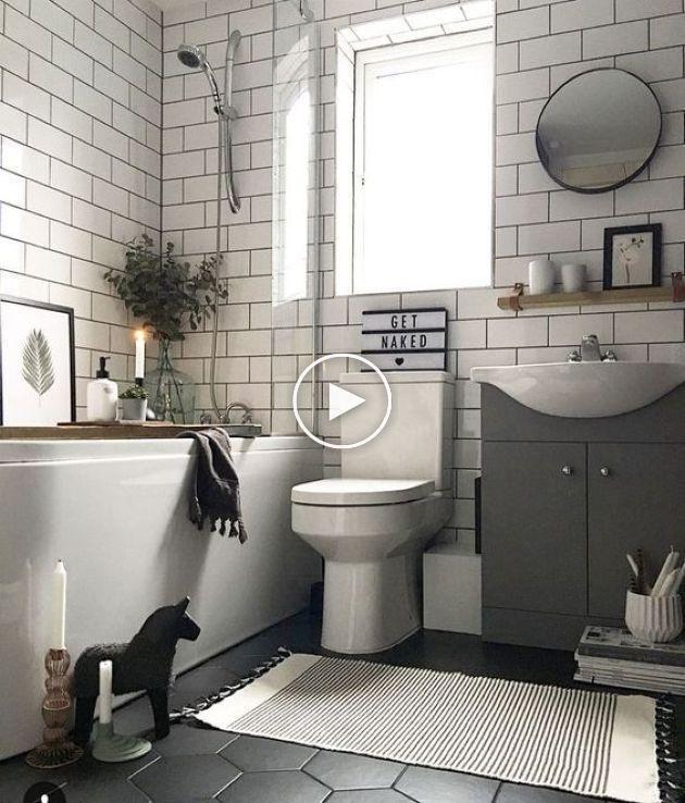Design Monochromatique Pour Salle De Bain De Petite Taille Avec Un