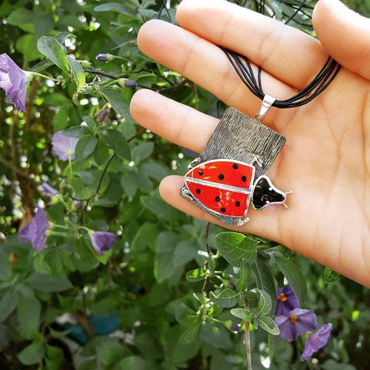 Uğur böceği, bir kolyede kendine hayat bulursa... Tasarım: Atölyemiz Canımız  Design , Jewelry , Necklace