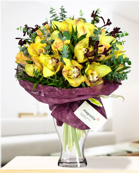 Looking for a gift for a sophisticated person who likes impressive gifts? Whether it is a lady or a gentleman, this impressive bouquet of roses, cymbidium orchids and fine eucalyptus branches can be a memorable gift. Perfect as a birthday gift or for marking a professional success. This gorgeous bouquet will emphasize your appreciation. Order it now and be sure that this bouquet will be the best gift!