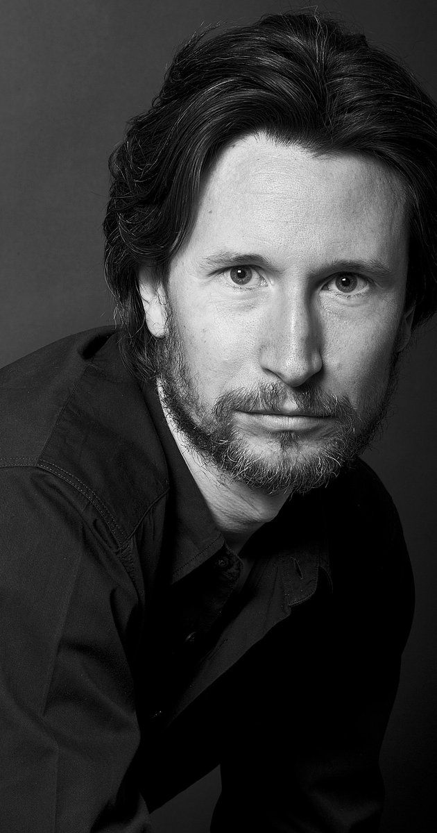 Jonathan Aris, Actor: The Martian. Jonathan Aris is the son of the late British character actor Ben Aris but, despite having a thespian as a father, acting was not his first choice. He studied painting at Camberwell School of Art and read Russian and Italian at Cambridge University before training as an actor at the Webber Douglas Academy of Dramatic Art in London. Like his father, Jonathan has chiefly been seen in character roles...
