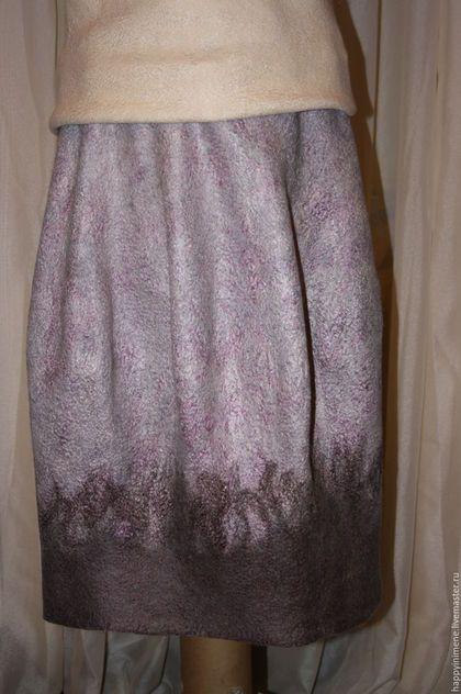 Купить или заказать валяная юбка - баллон в интернет-магазине на Ярмарке Мастеров. Валяная юбка - баллон, талия на резинке до 106 см, длинна 98, цвет сложный, серый, коричневый, золотистый, старая роза- создан из различных цветов вискозы, шерсть меринос 21 мик и блюфейс, можно носить как на талии, так и на бедрах, Цена установлена за данную юбку, на заказ будет другая, обращайтесь в личном…