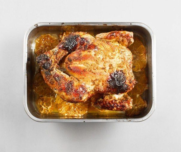 Chicken baked with ginger and oranges.