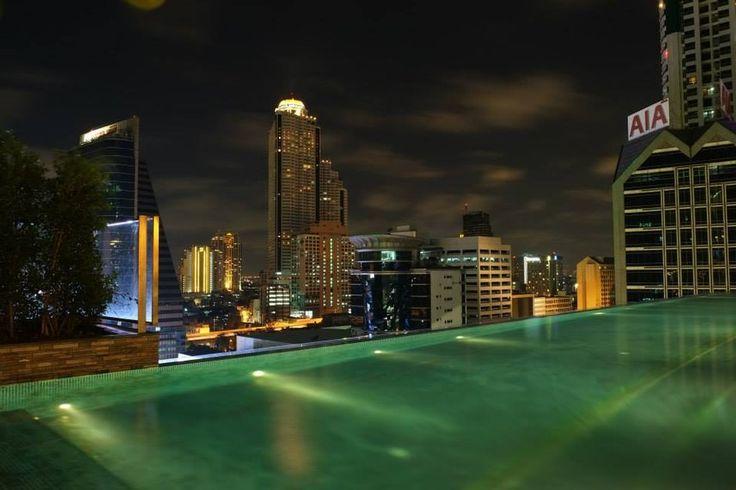 Pool with view to Hotel Lebua - Eastin Grand Hotel Bangkok