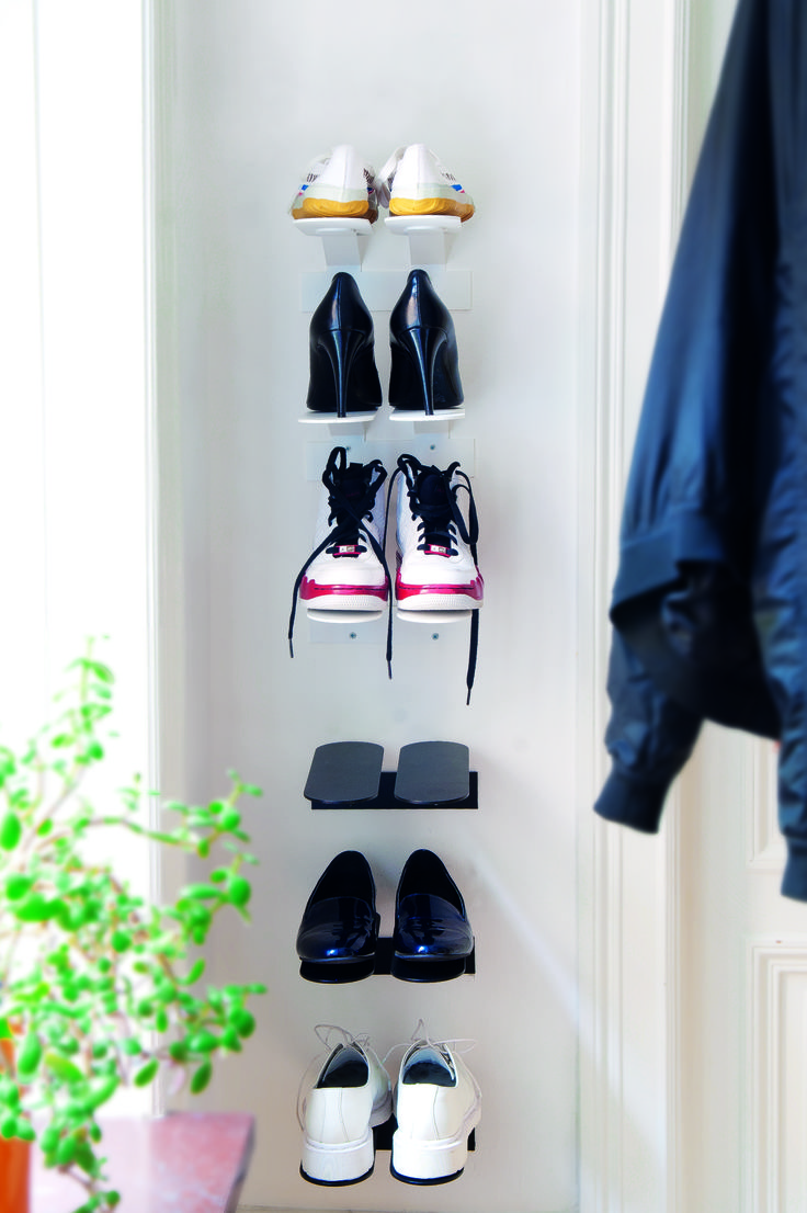 This small Step shoe shelf is designed by Gustav Rosén for the Swedish brand Maze. The shelf is made of powder coated metal and is designed to look like floating steps. Its simple look also makes it fit in almost any home. Place the shoe shelf in the hallway and combine it with other functional and decorative products. Produced in Sweden. Order from www.mazeinterior.se