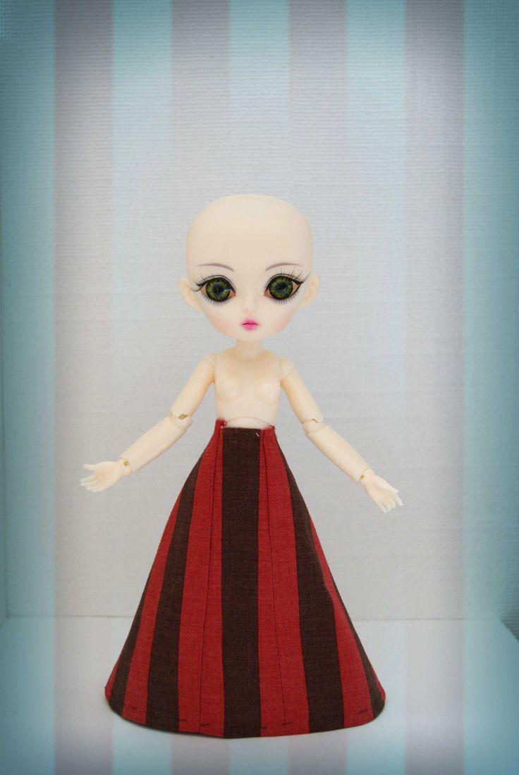 DeGaray Dolls: Next bit: Stripey Skirt!