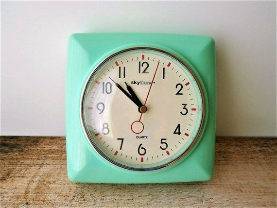 Vintage Skytimer Aqua Wall Clock Retro Jadeite Green Kitchen