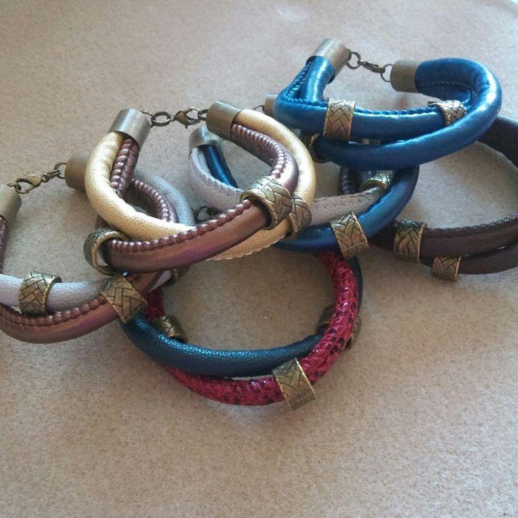 Różnokolorowe bransoletki- jeden wzór,  mnóstwo możliwości