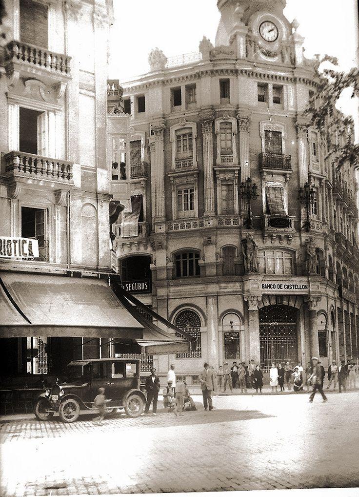Porta del Sol. Banc de Castelló. Quasi res...