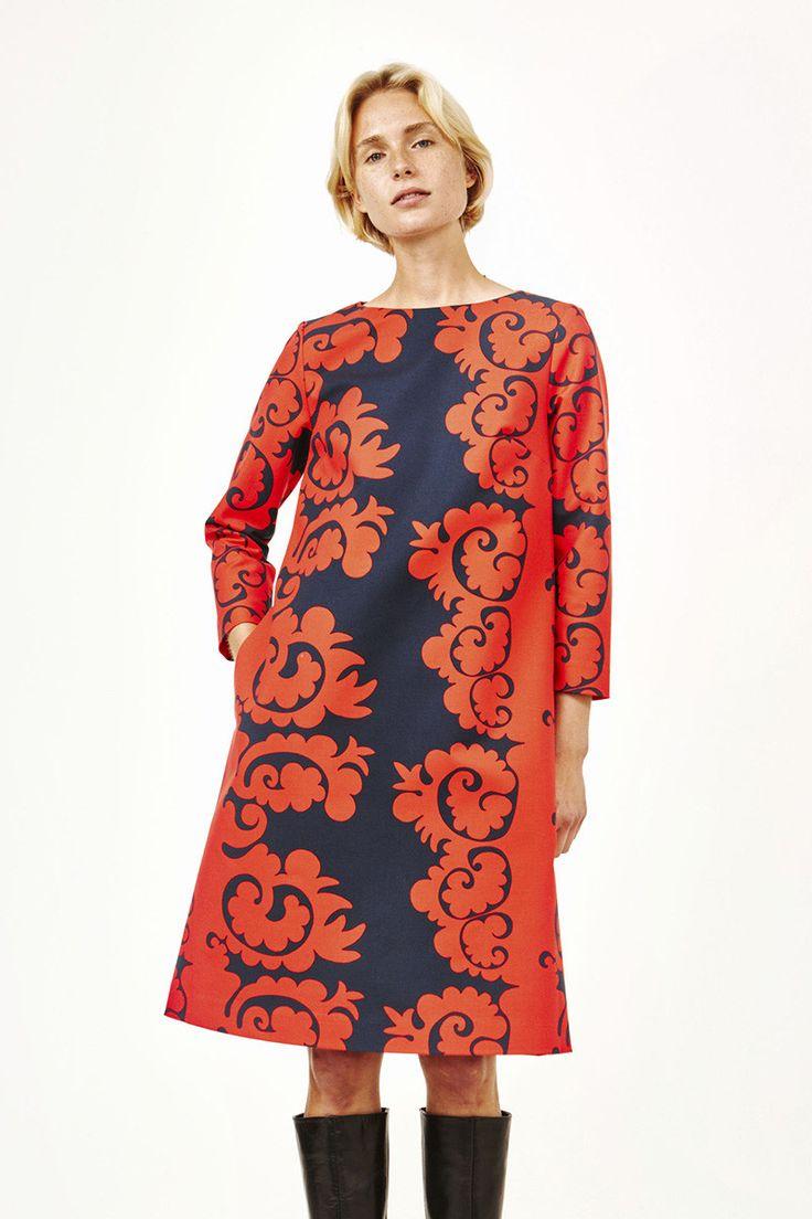 Collection: Fall 2016 Fashion. Print: Samovaari by Maija & Kristina Isola. Material: 97% cotton/3% elastane. Description: A-line shift dress with three-quarter sleeves. Concealed back zipper. Sideseam