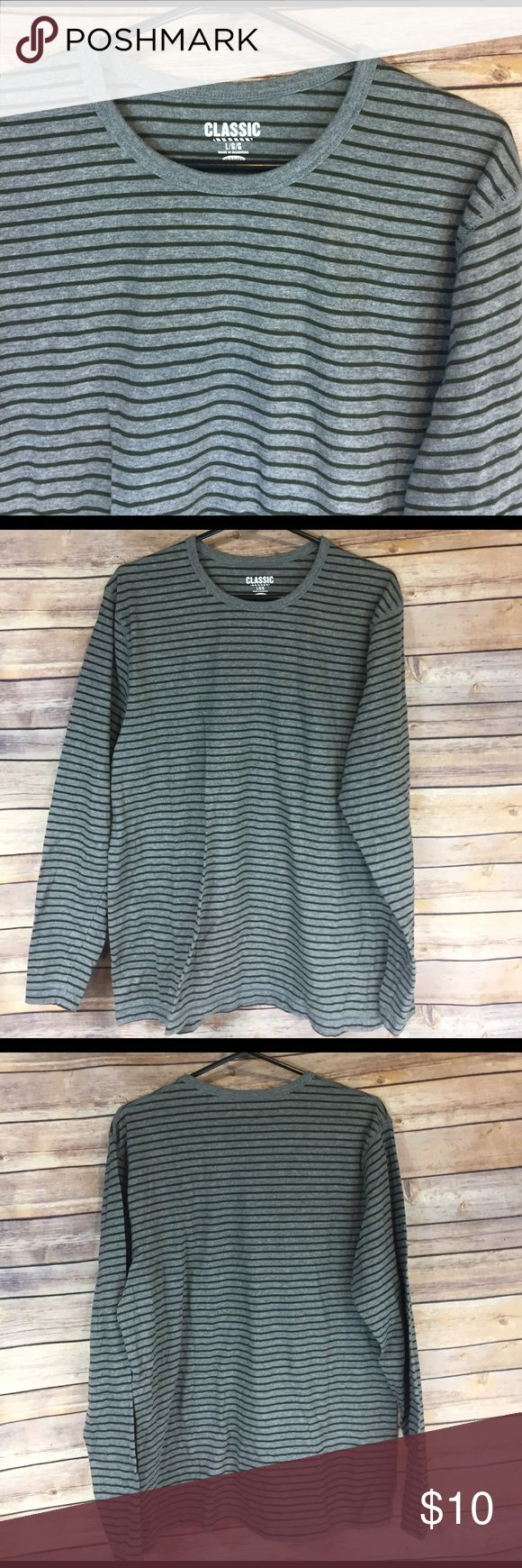 🚹large old navy classic long sleeve tee Green and gray.  Like new.  🛍 buy 2+ items and get 25% off your purchase automatically!! 🛍 Old Navy Shirts Tees - Long Sleeve