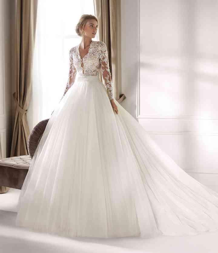 50 Bellissimi Abiti Da Sposa Invernali Per Risplendere Nonostante Il Freddo Nel 2020 Abiti Da Sposa Abiti Da Sposa Invernali Sposa