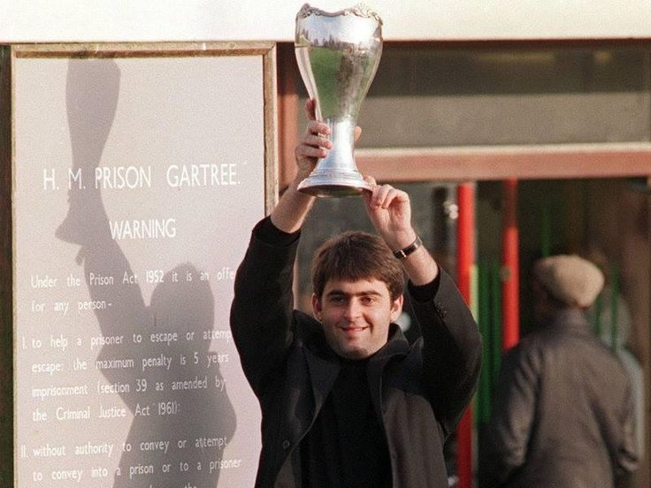 After winning the UK Championship aged 17,Ronnie went to Gartree Prison to show the trophy to his father Ronnie Snr