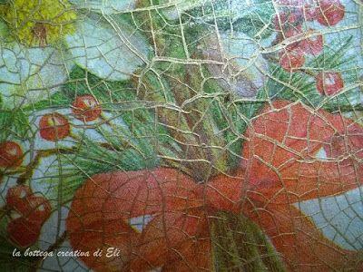 particolare-delle-crepe-realizzate-con-cracklè-sotto-vetro