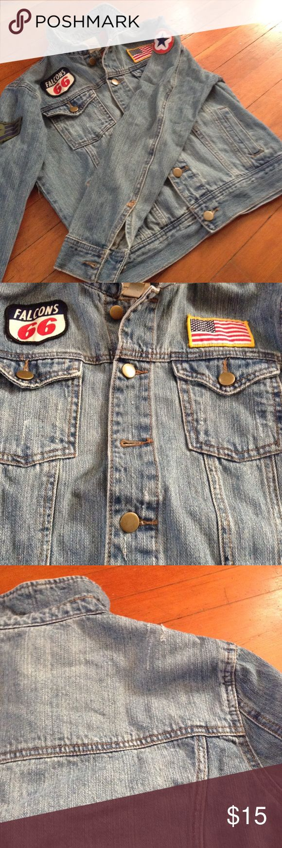 Loose Denim Jacket w/ Patches Light wash ladies denim jacket with various patches. Distressed detailing. Marked as a size small but is a loose fitting style - I am an size L/XL and this is fitted on me. Forever 21 Jackets & Coats Jean Jackets