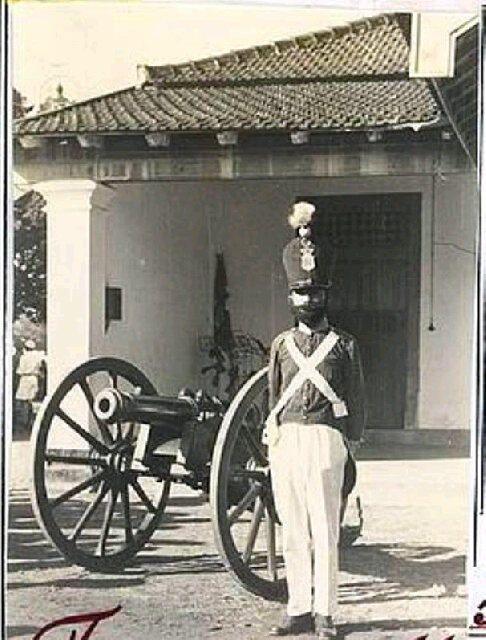 Legiun Mangkunegaran, pasukan elit Napoleon dari Solo ! | wisbenbae