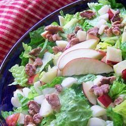 Salade met appel, brie en walnoot @ allrecipes.nl