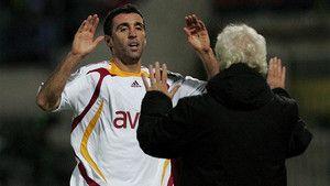 El Galatasaray expulsa a dos exjugadores, Hakan Sükür y Arif Erdem http://www.sport.es/es/noticias/futbol-internacional/galatasaray-expulsa-dos-exjugadores-hakan-sukur-arif-erdem-por-ser-sospechosos-apoyar-los-opositores-erdogan-5928731?utm_source=rss-noticias&utm_medium=feed&utm_campaign=futbol-internacional