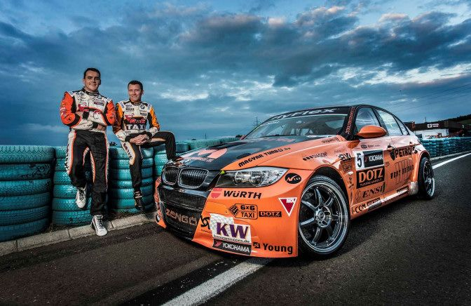 The World Touring Car Championship (WTCC) met for the first time in the U.S. to cross the horsepower blades in Sonoma. Dotz-supported Hungarian Norbert Michelisz went twice on the podium.