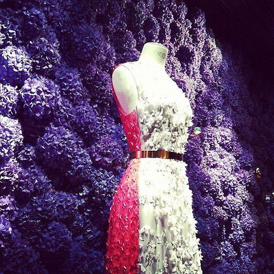 Floral Showcase Dior Paris  www.vandijkbloemen.nl