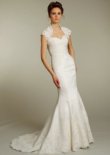 wedding dresses for hourglass shape on pinterest hourglass figure
