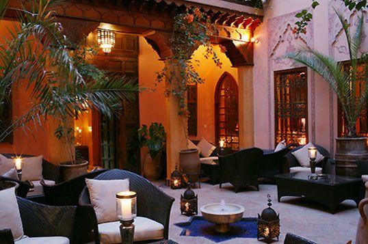 Marrakech, Morocco. La Maison Arabe Café. Uno dei posti più piacevoli e rilassanti della Medina dove riprenderti dallo stordimento del souk.