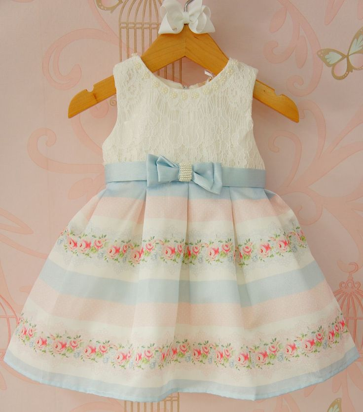 Vestido de Bebê Laço Azul Bordado Petit Cherie