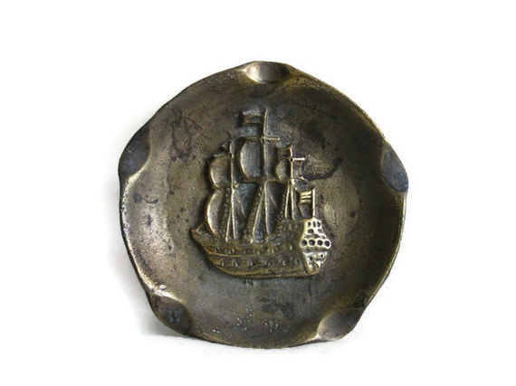 Ship relief Vintage BRASS ASHTRAY 3D Spanish war GALLEON
