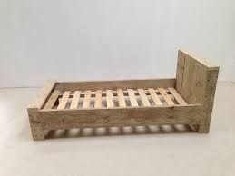 Afbeeldingsresultaat voor steigerhout bed zelf maken