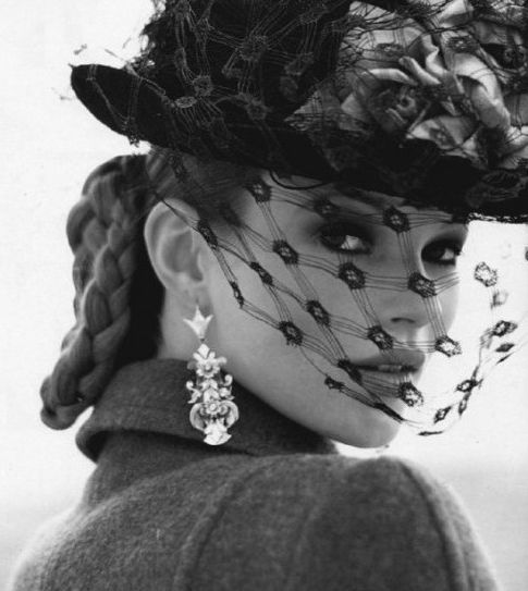 I have never seen this Kate's Moss photo by Arthur Elgort for Vogue Italia, October 1992 J'adore!