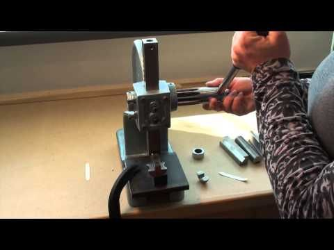 Melissa Muir Ring Bender Video