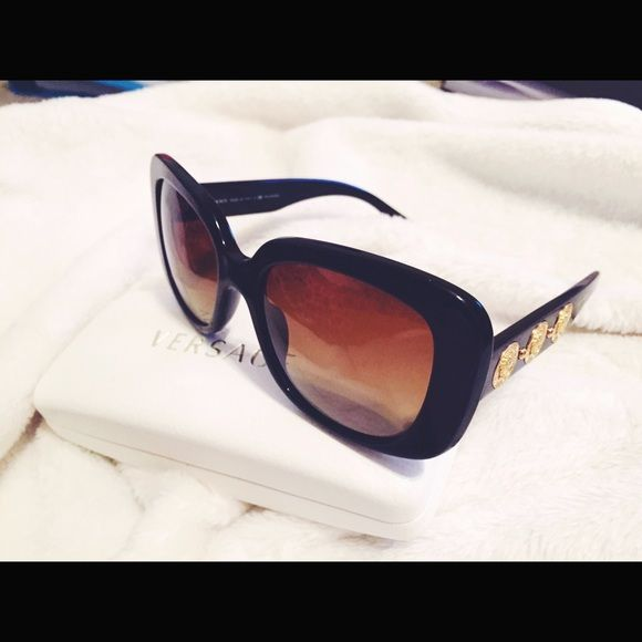 SUPER Sale Saturday! Polarized Versace sunglasses SALE SALE SUPER CUTE Versace sunglasses. Worn few times, in perfect condition. Sexy and stylish. Polarized.❤️❤️❤️ cheapest these have ever been priced  Versace Accessories Sunglasses
