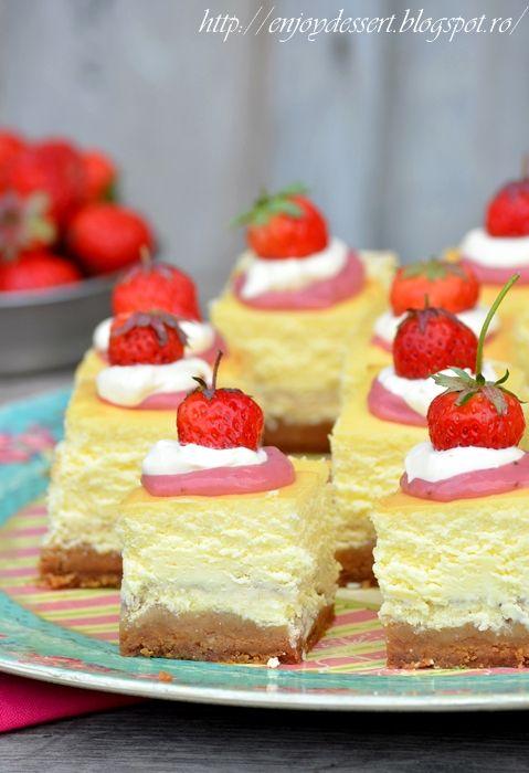 Patratele cu branza si curd de capsune - Strawberry Curd Cheesecake bars