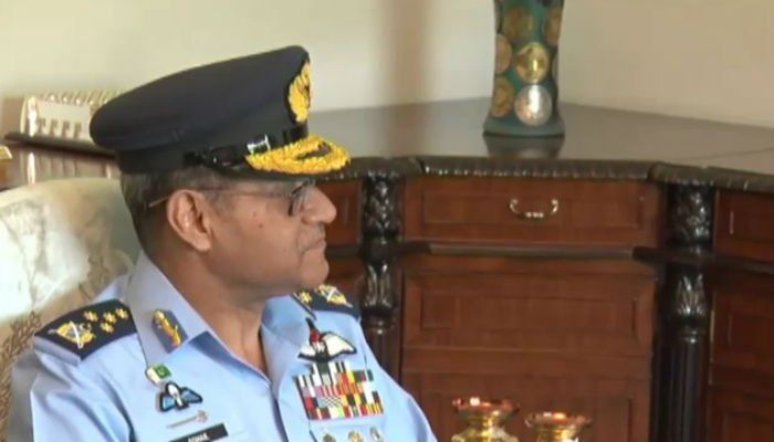 Air Chief Marshal calls on PM Nawaz Sharif | Pakistan - https://www.pakistantalkshow.com/air-chief-marshal-calls-on-pm-nawaz-sharif-pakistan/ - https://www.geo.tv/assets/uploads/updates/2017-07-03/147893_3556786_updates.jpg