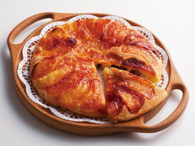 舘野 鏡子 さんの「りんごのカラメルホットケーキ」。カラメルのほろ苦さをまとったりんごと、シナモン風味の生地がベストマッチ!きれいに並んだりんごに拍手喝采間違いなし。蒸し焼きにするので、片面焼きでOKですよ。 NHK「きょうの料理」で放送された料理レシピや献立が満載。