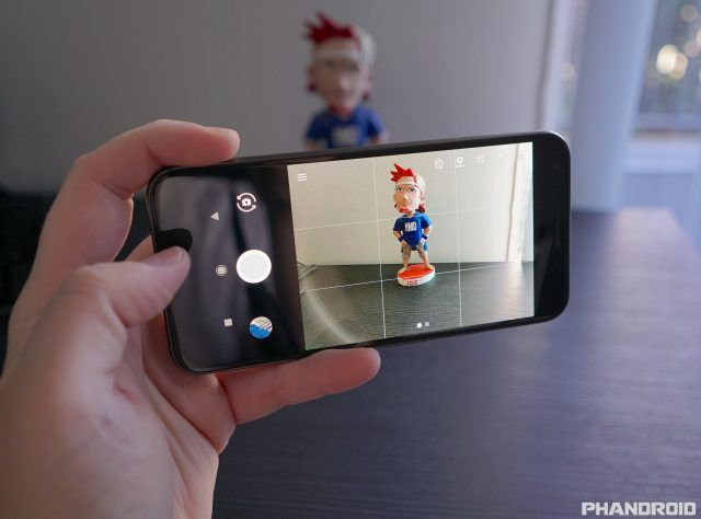 Google Pixel camera update rolling out with lens flare fixes