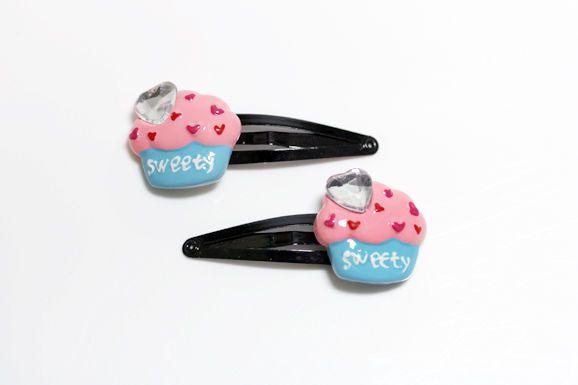 too cute cupcake hair clips! <3
