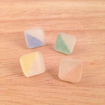 """マットな質感に思わずうっとり*大人可愛い""""すりガラス風""""プラバン ... マットな質感とふんわりとした色合いが美しい、すりガラス風プラバンの作り方"""