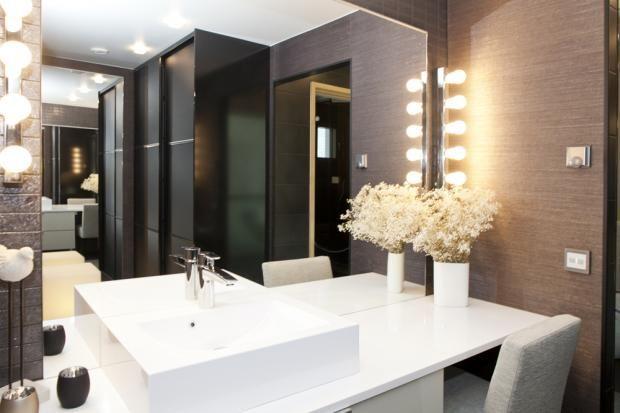 Leiki leffatähteä näiden valojen loisteessa!  @Asuntomessut Kokkolassa 2011