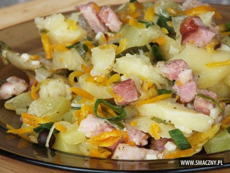 Prosta, szybka i przepyszna #zapiekanka na dzisiejszy #obiad:  http://www.smaczny.pl/przepis,zapiekanka-ziemniaczana-z-dynia-i-marchewka  #przepisy #dynia #ziemniaki