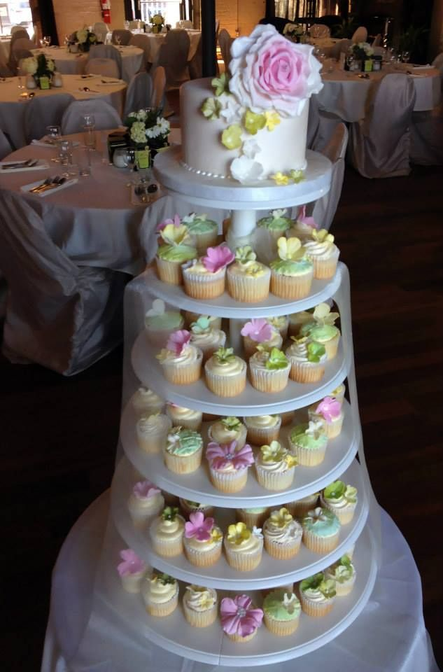 #cupcaketower #cupcakes #catering #wedding #catering #design #fashion #hospitality #Tasty #unique #creative #treats #baking #cafedessertsetc
