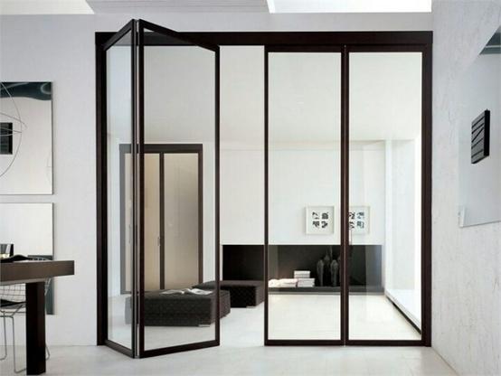 Folding glass wall