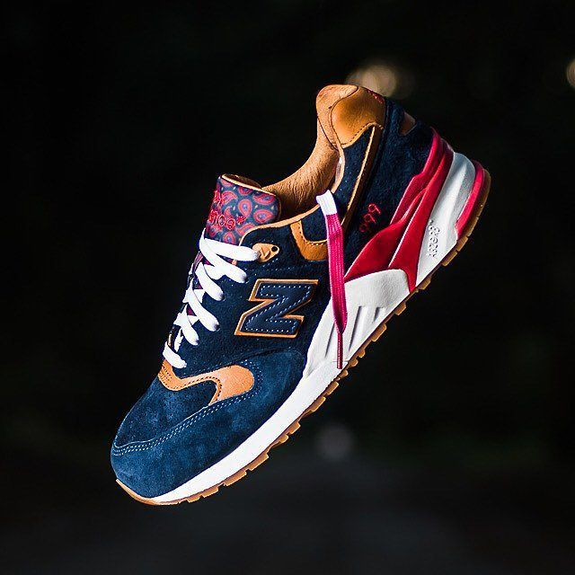 Sneaker Politics x New Balance 999 - Case - Navy/Horween Leather