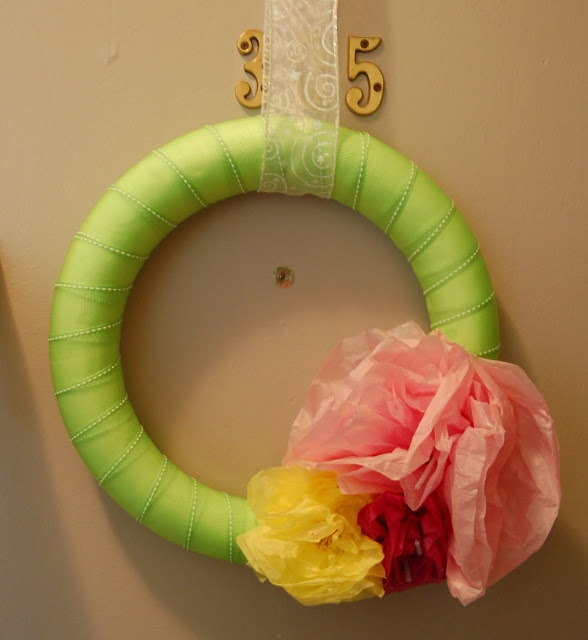 I can craft that!: Tissue Paper wreath