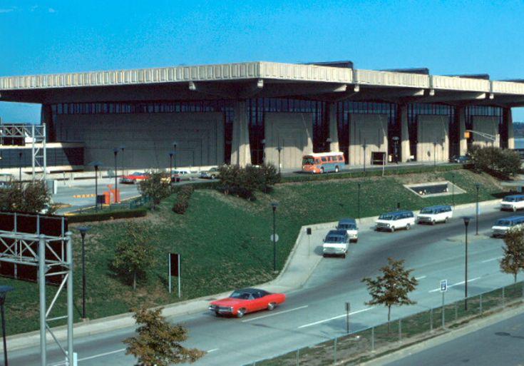 Detroit_metropolitan_wayne_county_airport__romulus__michigan