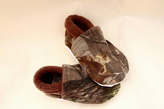 Oh My Gosh!!!  So freaking cute! Camo baby boy shoes
