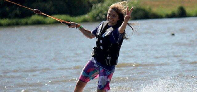 Découvrez la glisse sur l'eau en toute sécurité au TSN44 Saint-Viaud et TSN44.2 Nozay