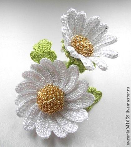вязаная брошь-цветок Белые ромашки. белые цветы. белая брошь. - брошь цветок